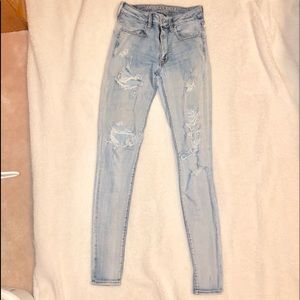 holy light wash american eagle jeans